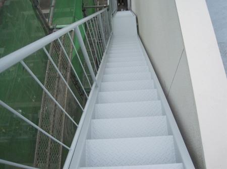静岡市清水区 Fビル 階段塗装リフォーム